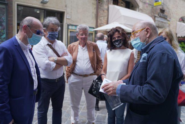 fOscar-Ferretti-Cinema-Corso-Andrea-Petinari-2020-06-25-at-16.51.01-1-650x434