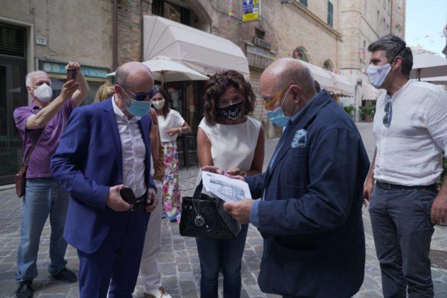 fOscar-Ferretti-Cinema-Corso-Andrea-Petinari-2020-06-25-at-16.51.01-2-650x434