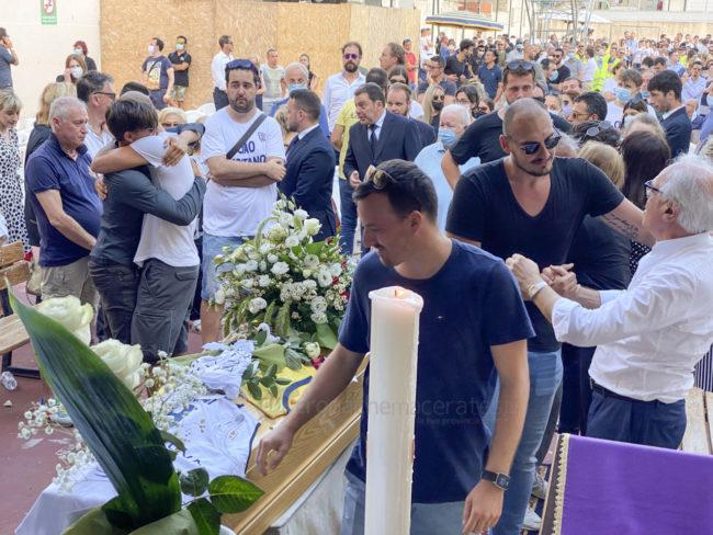 funerale-attilio-pierini-oratorio-salesiano-porto-recanati-15-650x488