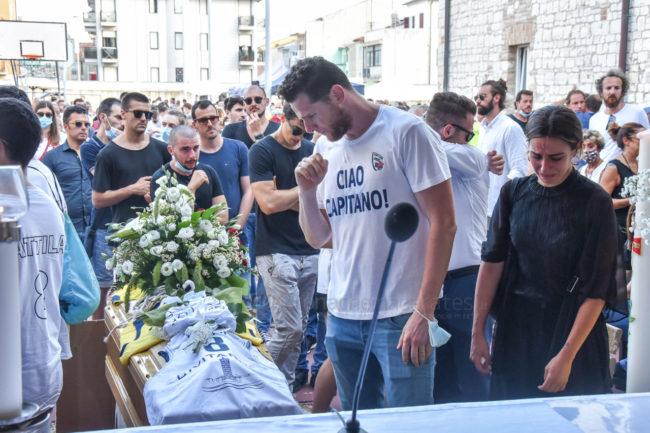 funerale-attilio-pierini-oratorio-salesiano-porto-recanati-8-650x433