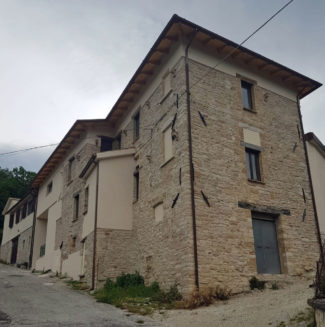 immobile_Vari-1-325x327