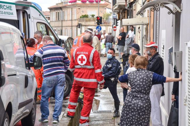 incidente-donna-investita-via-colombo-statale-civitanova-FDM-1-650x433