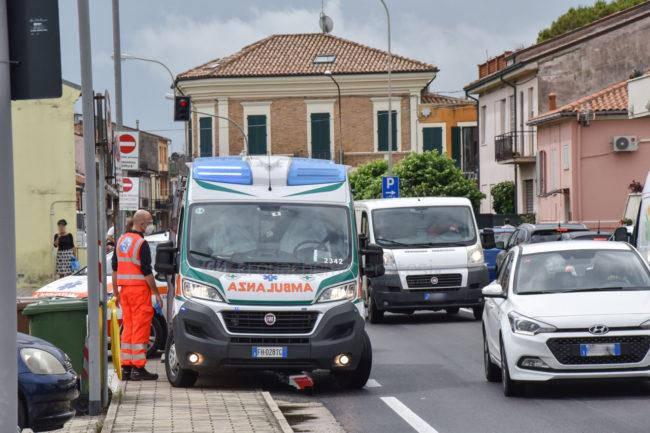 incidente-donna-investita-via-colombo-statale-civitanova-FDM-6-650x433