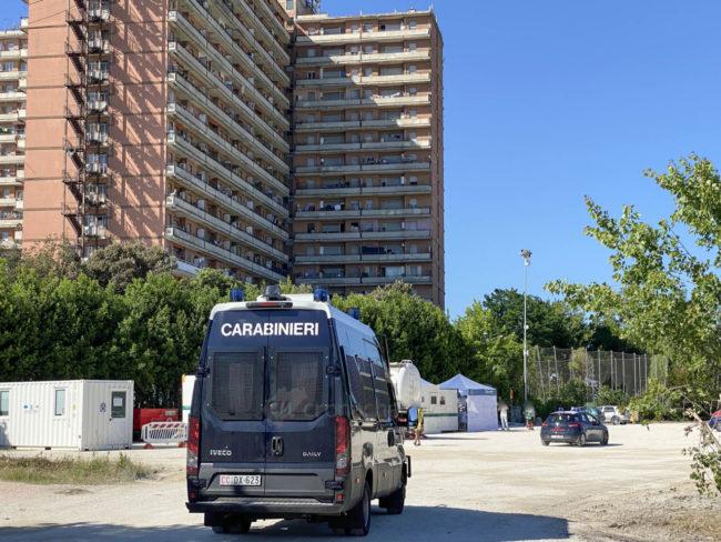 tamponi-covid-hotel-house-carabinieri-porto-recanati-FDM-2-650x488