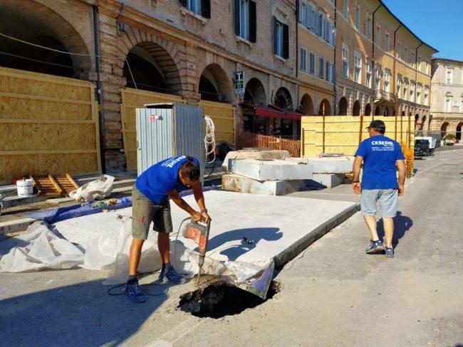 voragine-piazza-del-popolo-san-severino-1-650x488