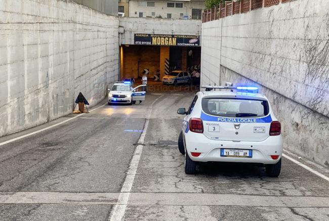 incidente-sottopasso-esso-civitanova-vigili-urbani-fdm-1-650x438
