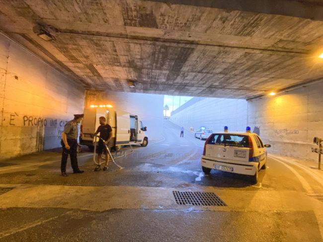 incidente-sottopasso-esso-civitanova-vigili-urbani-fdm-4-650x488