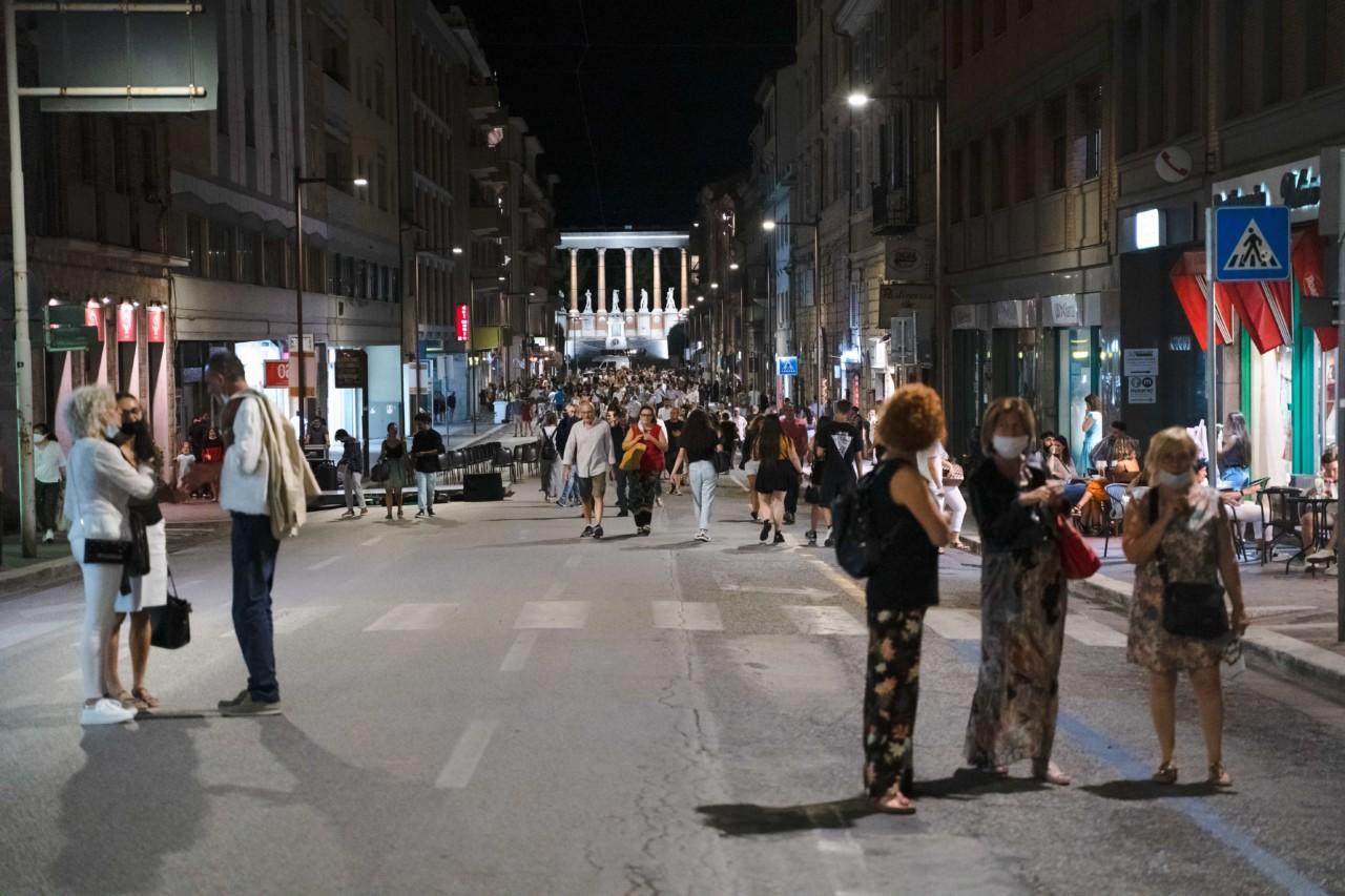 notte dell'opera corso cavour e martiri della libertà macerata 2020 foto ap (43)