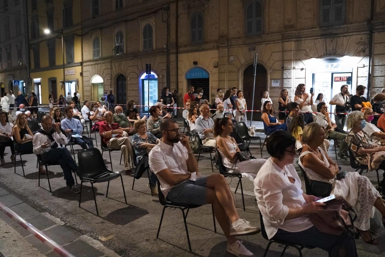 notte dell'opera corso cavour e martiri della libertà macerata 2020 foto ap (5)