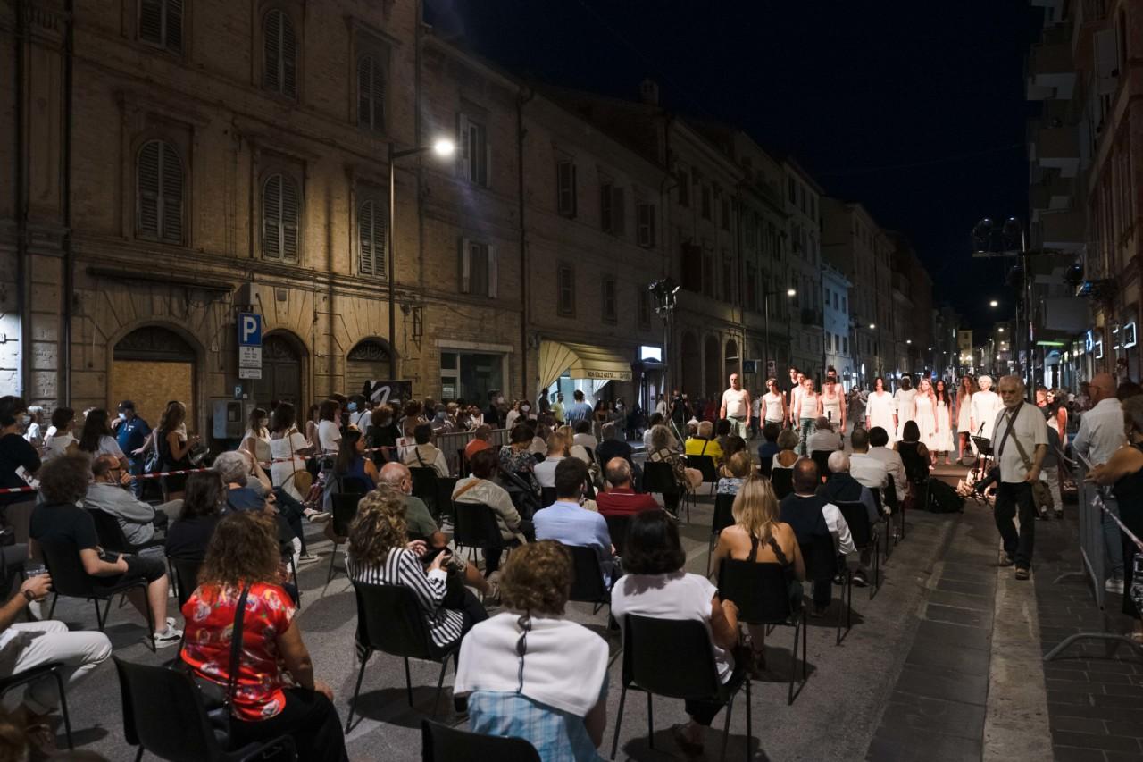 notte dell'opera corso cavour e martiri della libertà macerata 2020 foto ap (6)