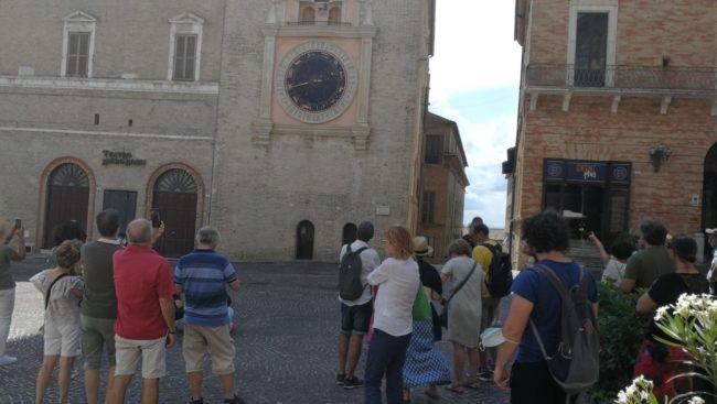 turisti-macerata3-650x367