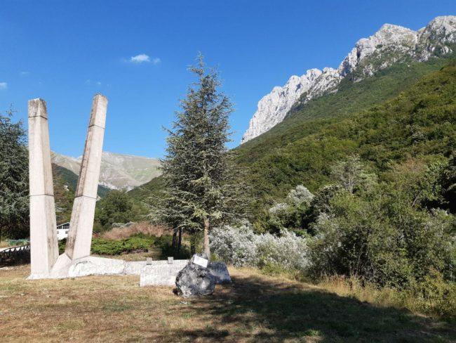 Ussita-monumento-Pietro-Capuzi