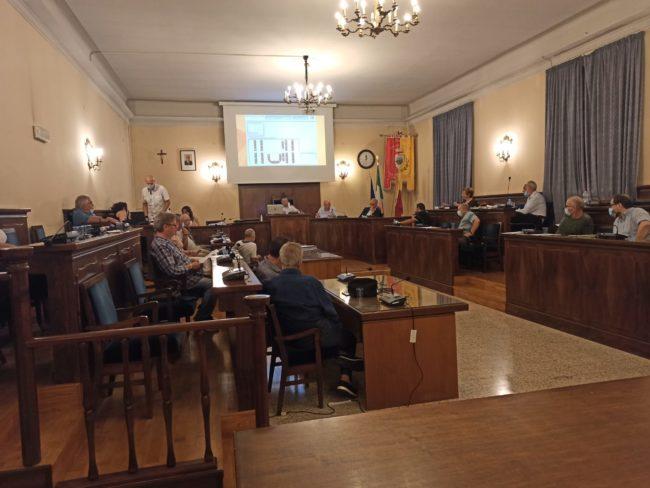 consiglio-comunale-3-650x488