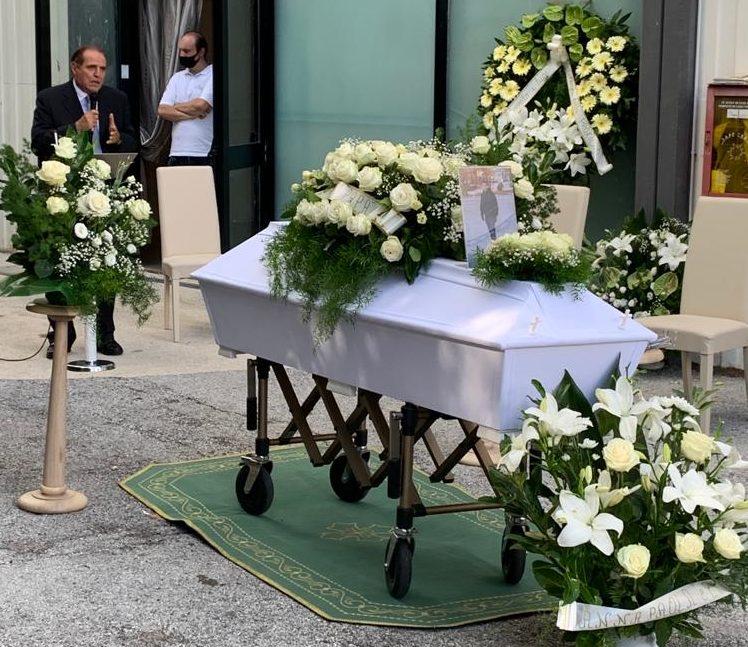 funerale-edoardo-moretti-4-e1597769390825
