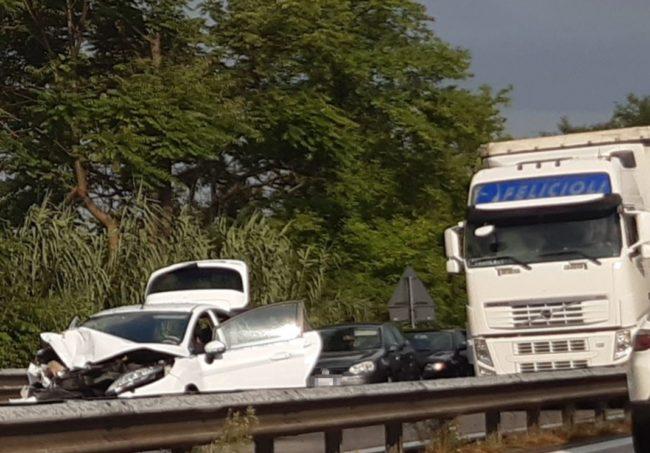 incidente-superstrada-1-e1596470313405-650x453