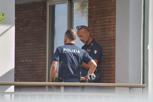 ritrovamento-residuato-bellico-appartamento-lungomare-nord-civitanova-polizia-FDM-2-650x434