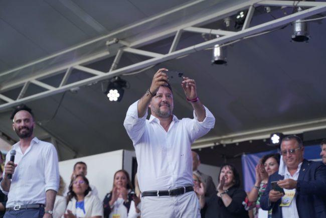 Insulti a Salvini, si dimette vicesindaca Pd