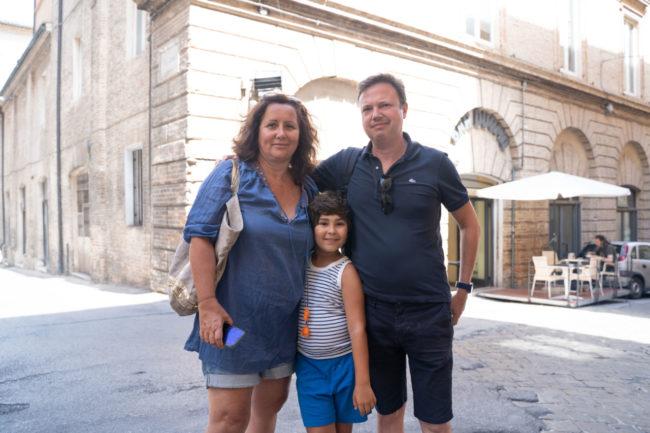 turisti-a-macerata-agosto-2020-foto-ap-13-650x433
