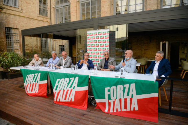 ForzaItalia_Gasparri_FF-5-650x434