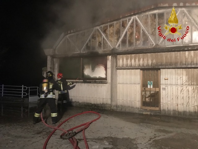incendio-capannoni-appignano-4
