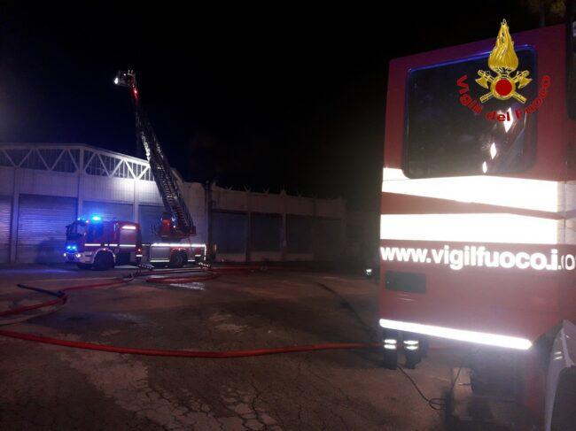 incendio-capannoni-appignano-5-650x487
