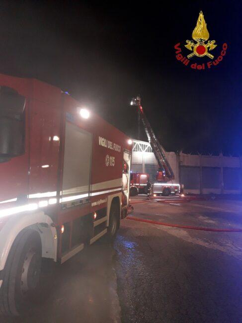 incendio-capannoni-appignano-6-487x650
