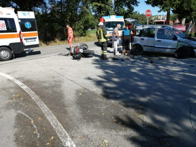 incidente-provinciale-urbisaglia-2-650x488