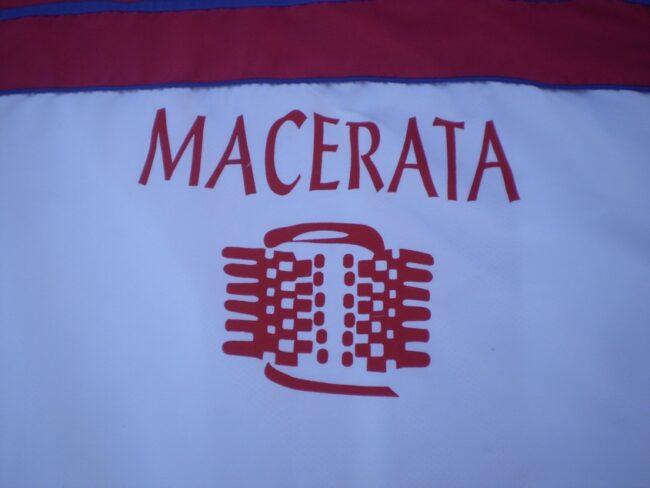 polisportiva-macerata-pallone-bracciale-2-650x488