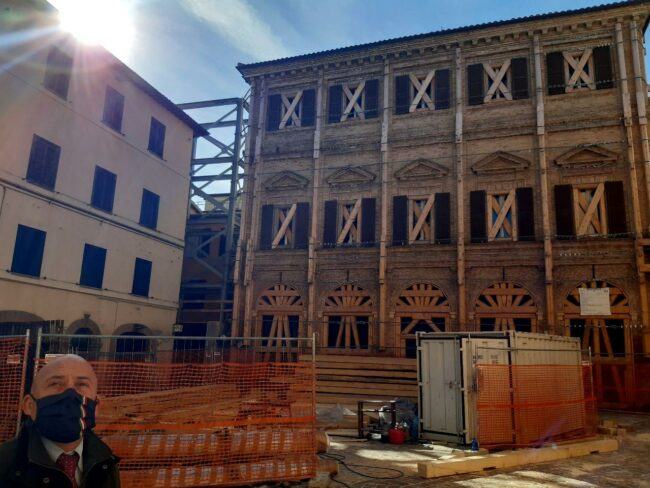 Camerino-terremoto-2020-Garibaldi-con-Sborgia-650x488