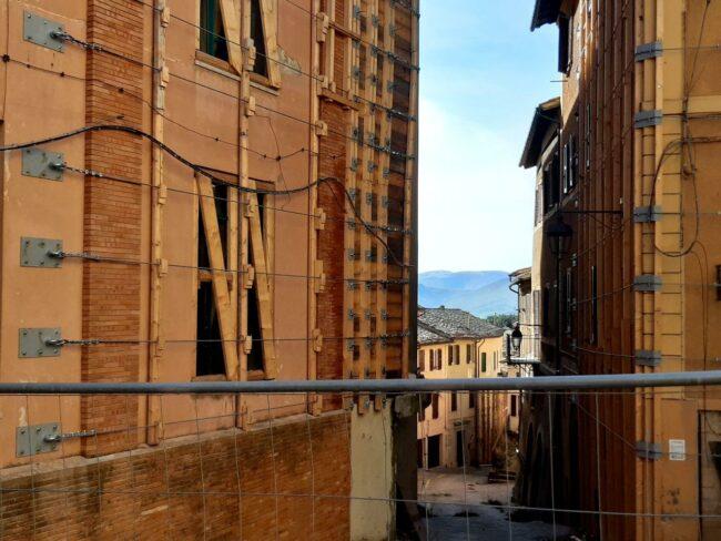 Camerino-terremoto-2020-centro-storico1-650x488