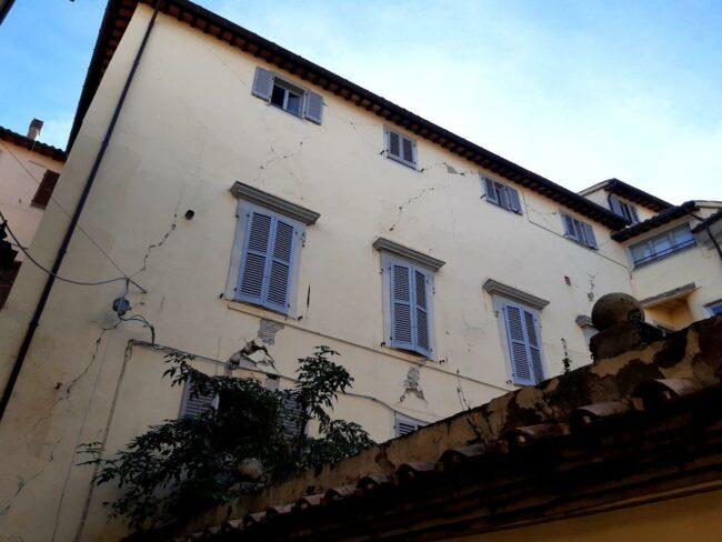 Camerino-terremoto-2020-centro-storico3-650x488