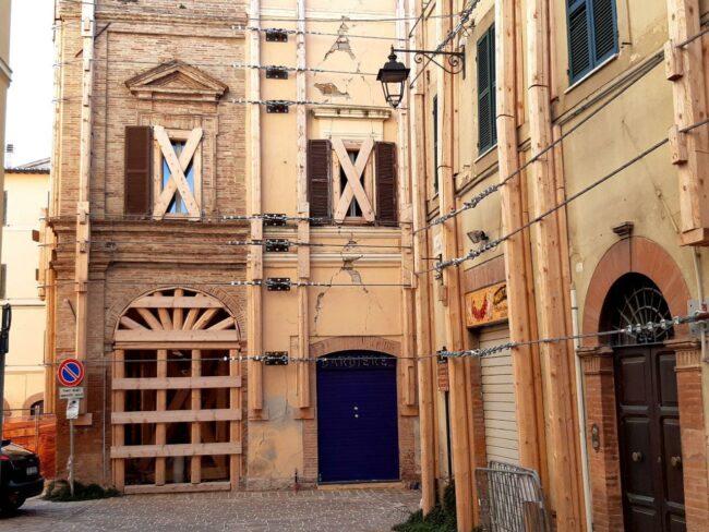 Camerino-terremoto-2020-centro-storico5-650x488