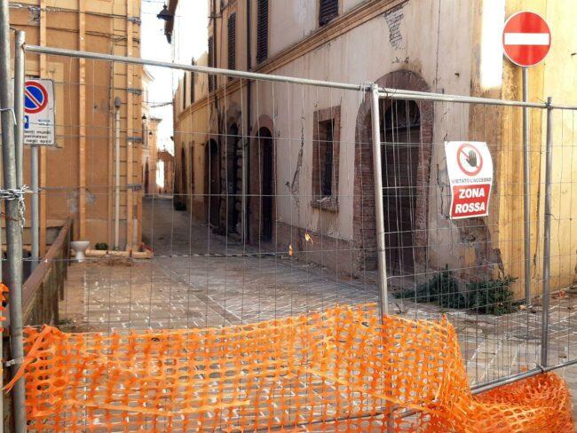Camerino-terremoto-2020-ingresso-zona-rossa-650x488
