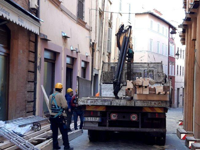Camerino-terremoto-2020-messa-in-sicurezza2-650x488