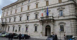 Delegazione-Confartigianato-ingresso-Prefettura-Ascoli