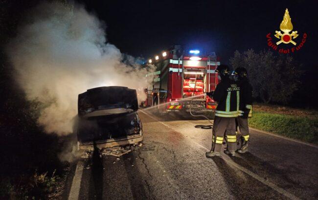 Incendio-auto_0-650x408