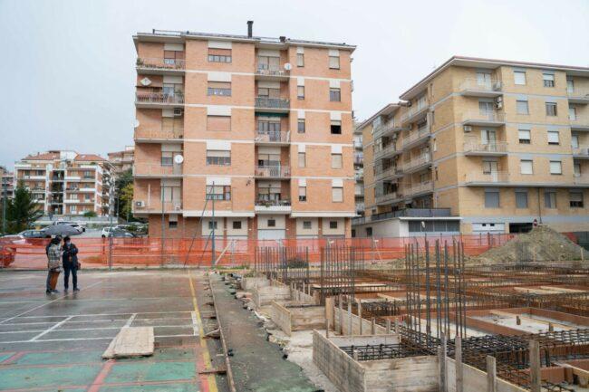 lavori-cantiere-scuola-IV-Novembre-macerata-Marchiori-foto-ap-10-650x433