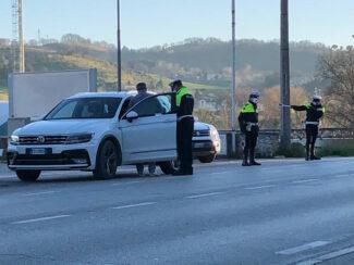 polizia-locale-controlli-covid-3-325x244