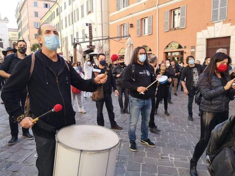 protesta-artisti-2