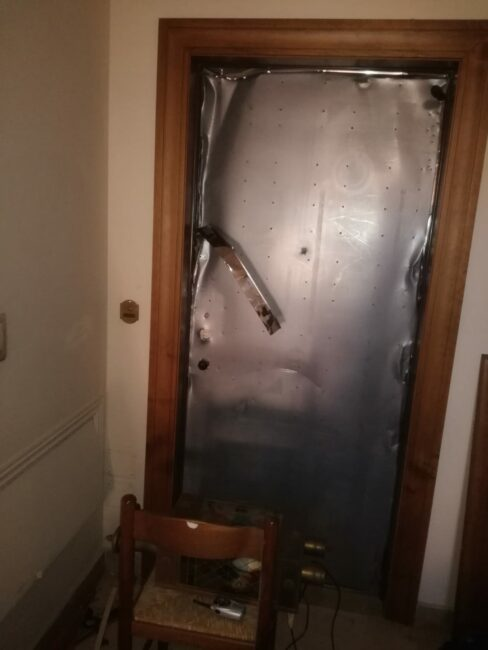 vandali-condominio-san-severino16-488x650