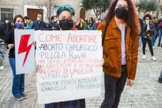 Manifestazione_Aborto_FF-13-325x217