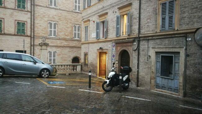parcheggi-via-lauro-rossi-2-650x367