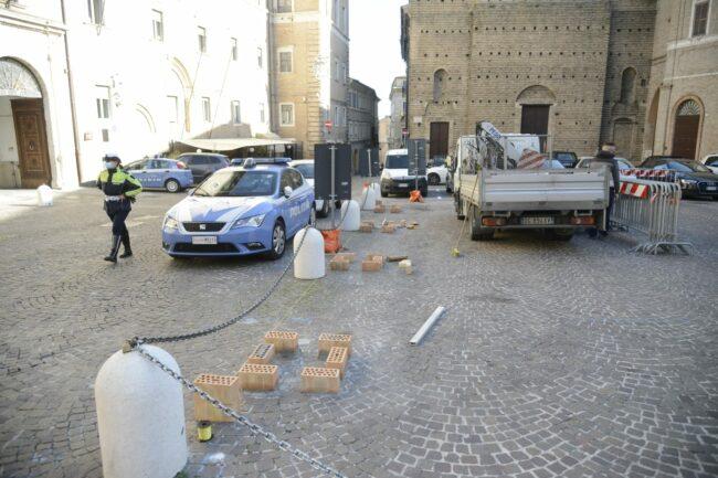 piazza-libertà-vasi