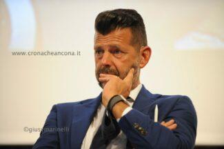 candidati_regione-DSC_4714-Maurizio_Mangialardi--325x216