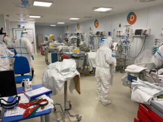covid-hospital-natale-bertolaso-4-325x244