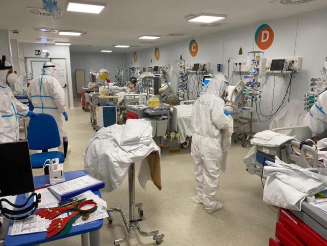 covid-hospital-natale-bertolaso-4-650x488