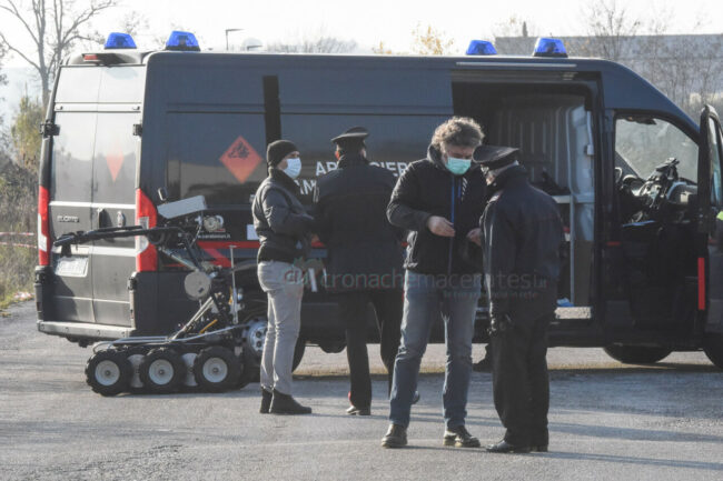 ordigno-localita-sqaurtabue-artificieri-carabinieri-recanati-FDM-7-650x433