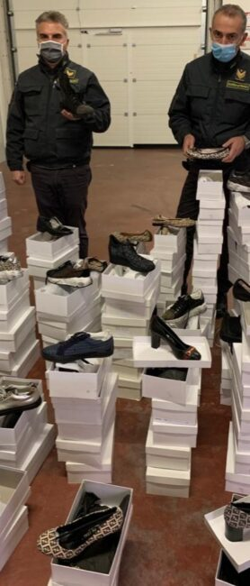 scarpe-false-gdf1-278x650