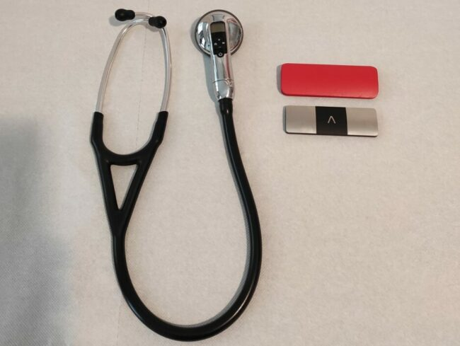 Fonendoscopio-e-Elettrocardiografo-Digitali-e1611587513263-650x489