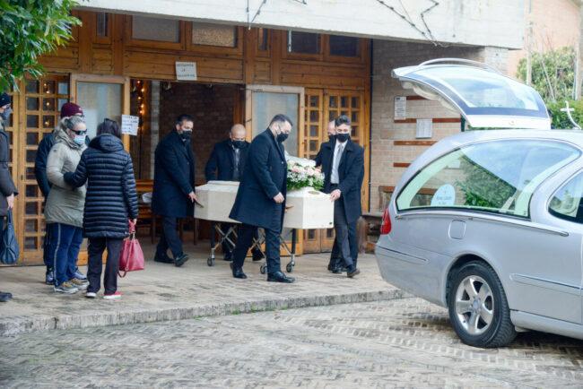 Funerali_Rosina_FF-9-650x434
